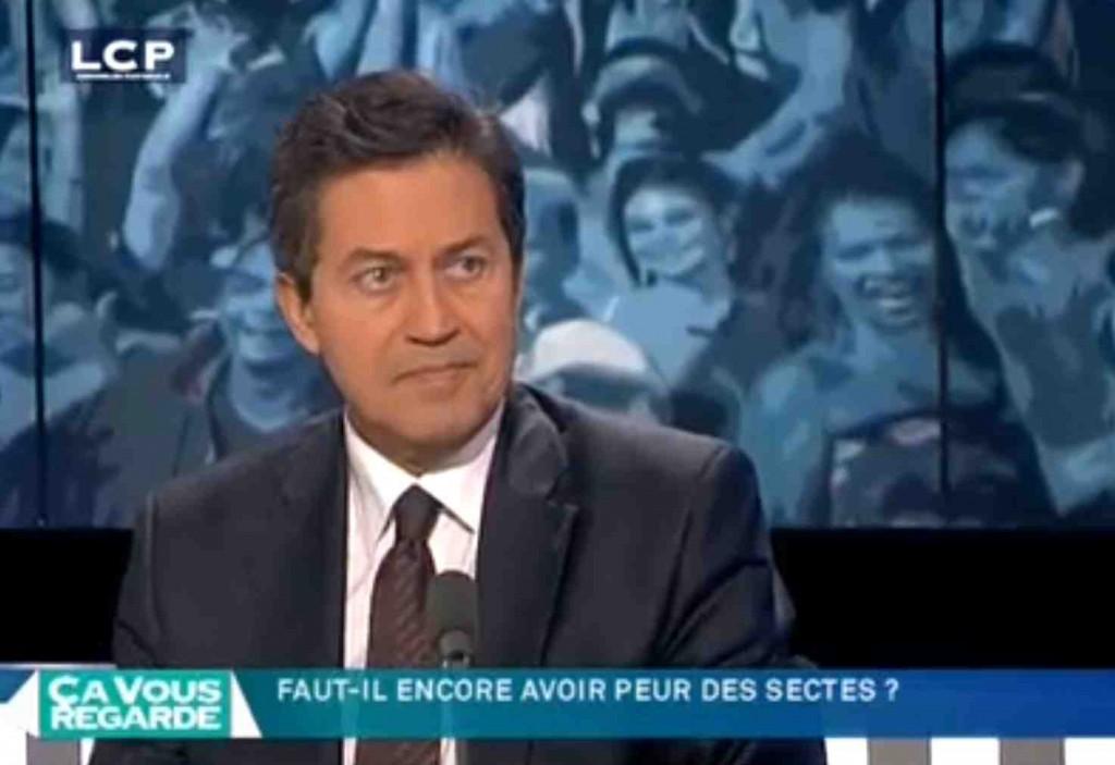 """Pour Georges Fenech, alors président de la Miviludes (sur LCP), il y aurait entre """"60 et 80 000 enfants en dangesr dans les sectes""""."""